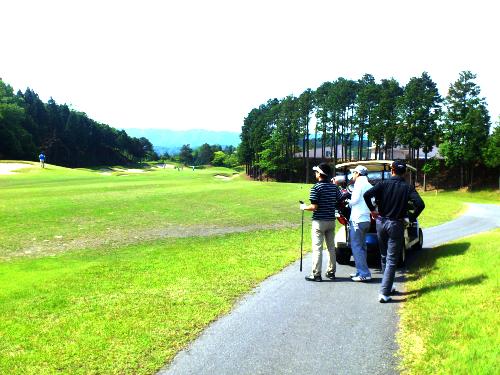 ミールズ江坂のゴルフコンペ